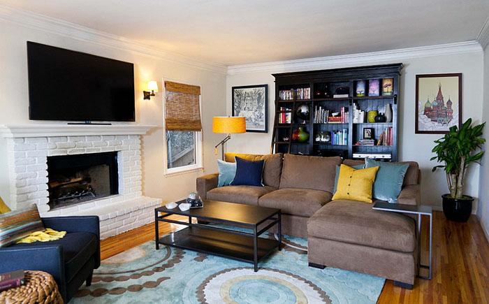 Современная гостиная с жёлтыми и голубыми акцентами