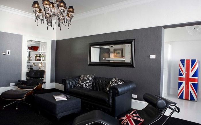 Кресла LC4 и Eames в мужской гостиной