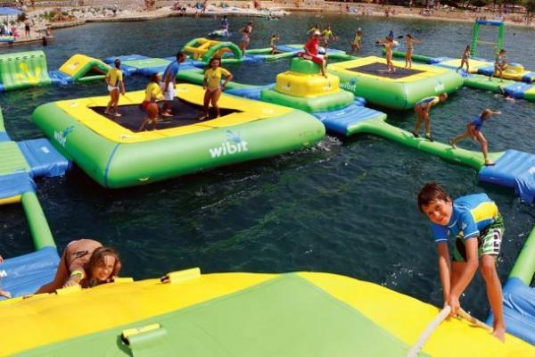 Огромная водная игровая площадка для детей и взрослых