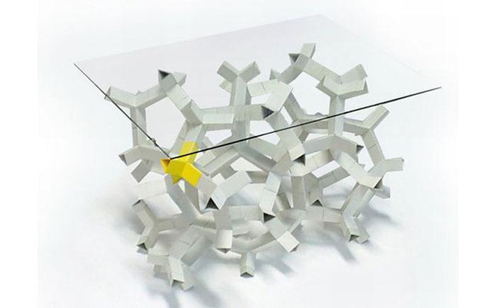 Бумажный стол