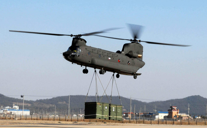 Boeing CH-47D/F Chinook
