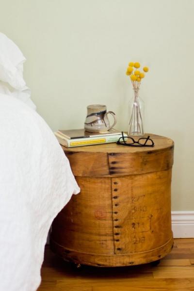 Тумбочка из ящика для сыра