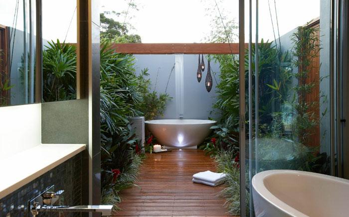 Ванна внутри и ванна снаружи