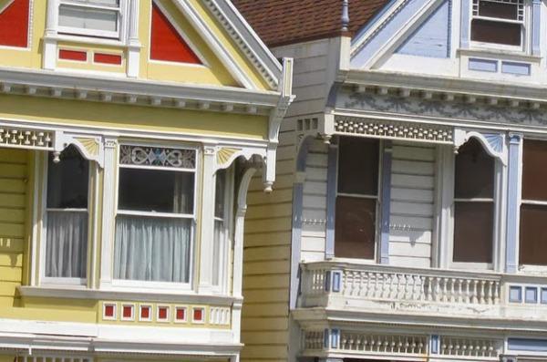 Декоративная отделка домов в викторианском стиле
