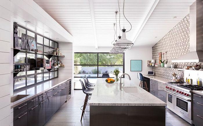 Современная кухня от Brown Design Group