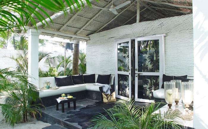 Крыльцо в тропическом стиле