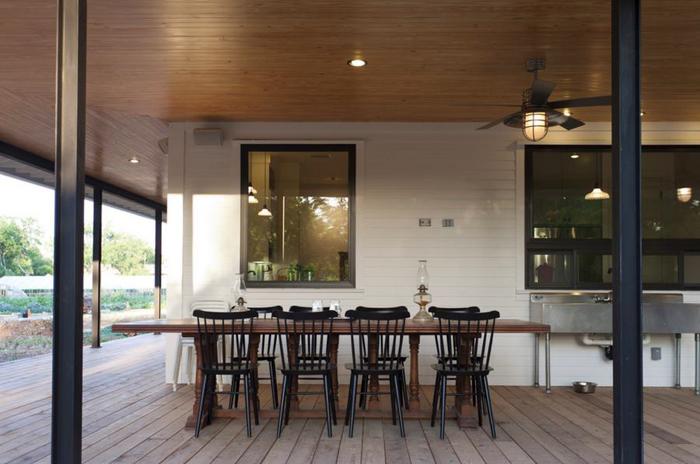 Столовая на крыльце от Rauser Design
