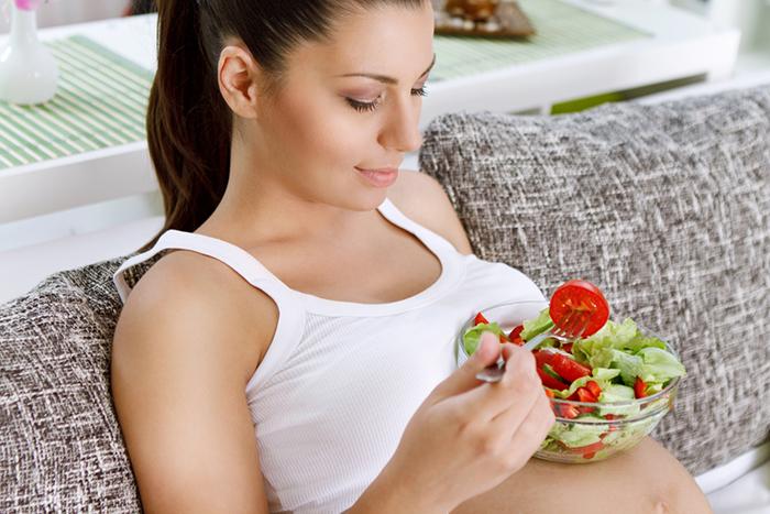 10 самых важных продуктов для беременной, в которых ей раньше отказывали