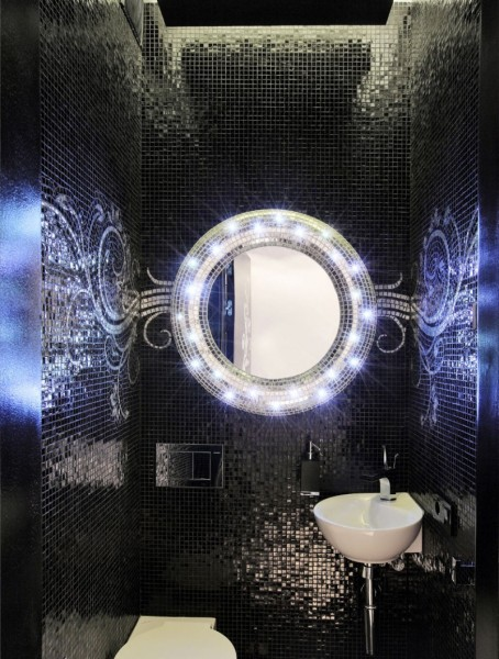 Туалетная комната в чёрно-белой гамме