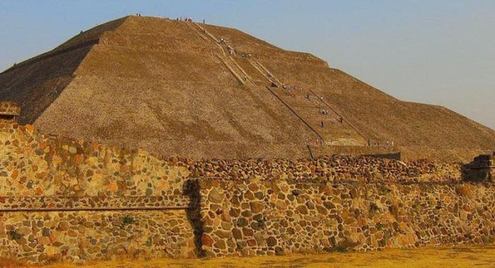 Огромная пирамида Чолула