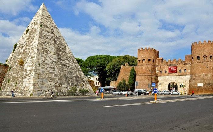 Піраміда Цестія