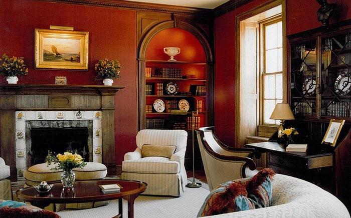 Классическая гостиная в красном цвете
