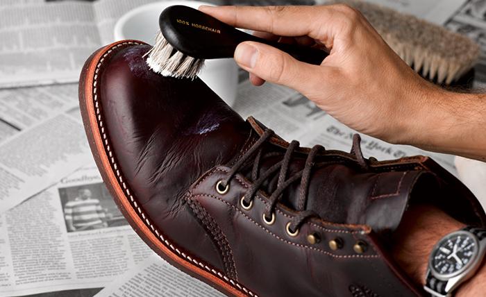 Как правильно чистить и хранить кожаную обувь