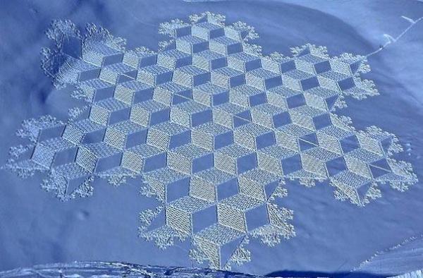 simon-beck-snow-art-10.jpg