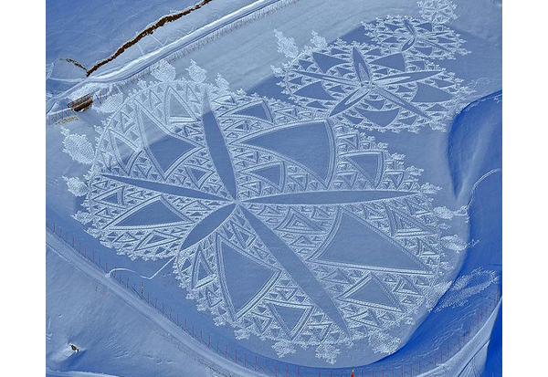 simon-beck-snow-art-5.jpg