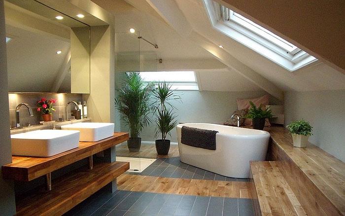 Душ  под звёздным небом - 20 роскошных ванных комнат с потолочными окнами