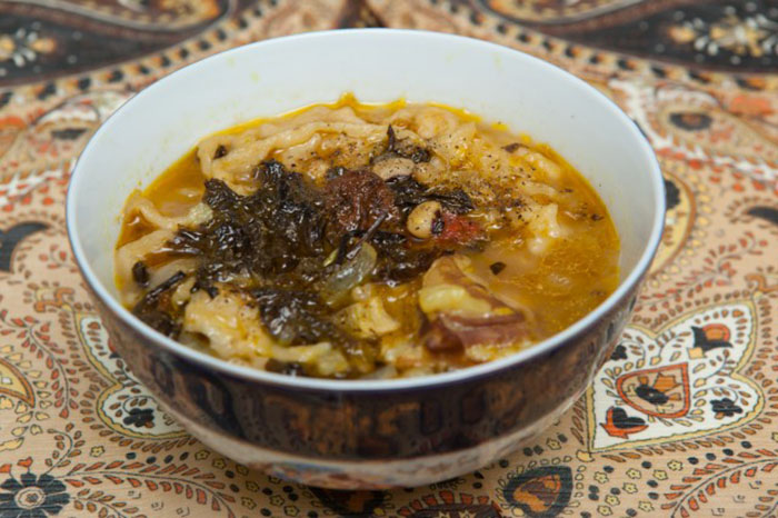 Азербайджанский фасолевый суп с лапшой
