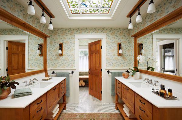 Стильная ванна с витражным потолком