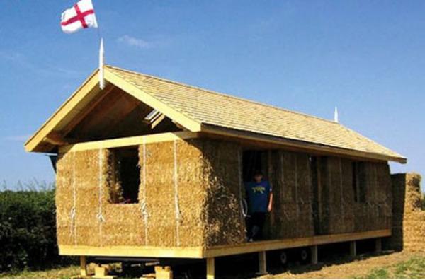 Дом отдыха из соломенных блоков от Carol Atkinson