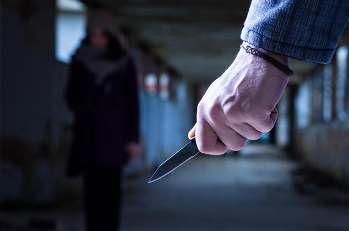 Вонзенный нож