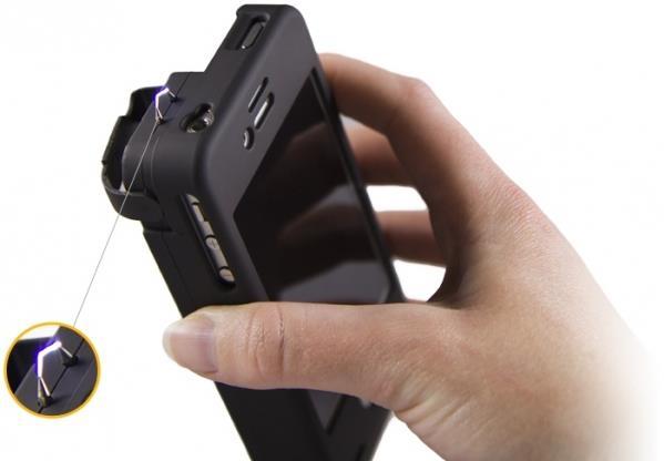 С таким телефоном можно и дать прикурить