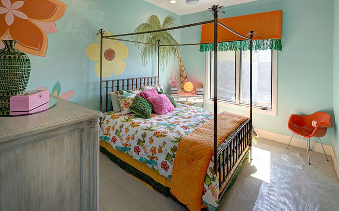 Спальня для девочки от  Robin Bond Interiors