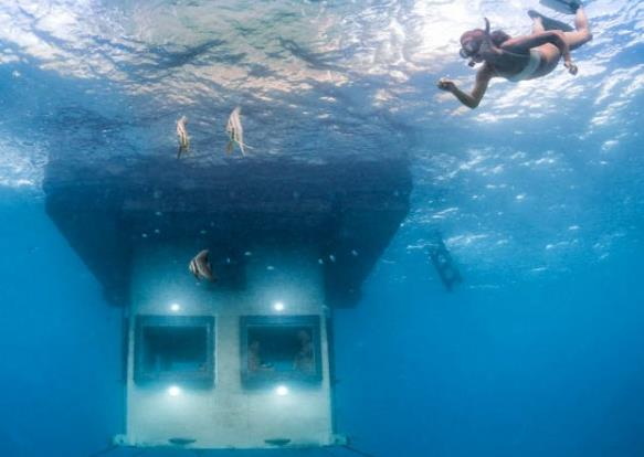 Волшебный отдых в Занзибаре - плавающий подводный номер отеля Manta Resort