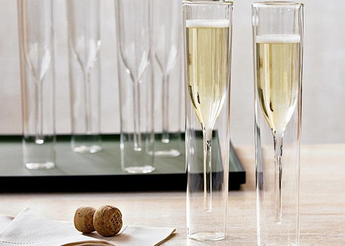 Бокалы для шампанского наизнанку