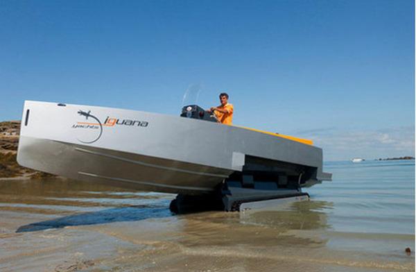 Скоростная яхта-амфибия