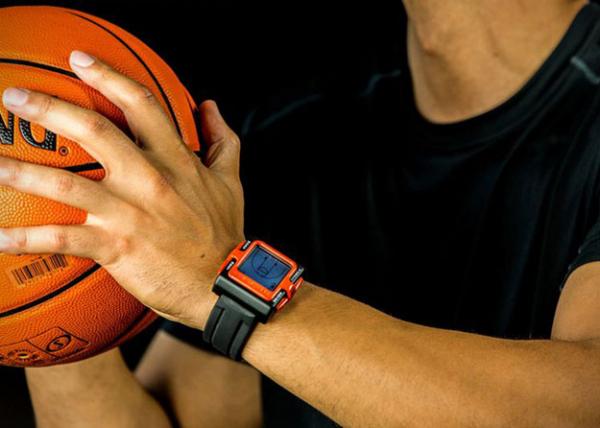 Часы Hoop Tracker помогут отточить навык броска