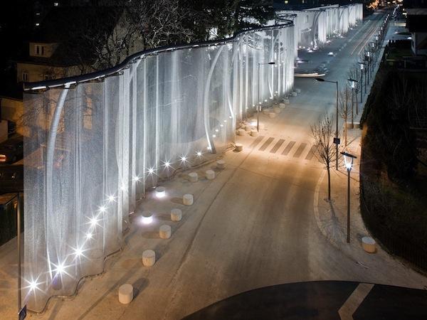 Silent movie –проект ограждения здания Swarovski в Ваттенсе