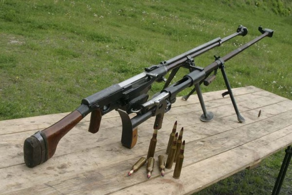 Противотанковое ружье Дегтярева (сверху)