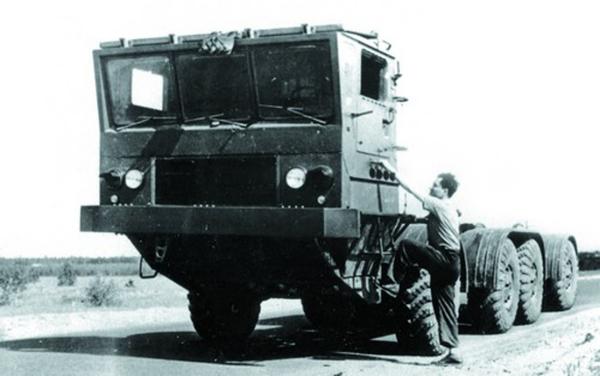 Грузовой автомобиль ЗиЛ-135К