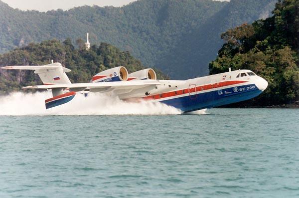 Многоцелевой гражданский гидросамолет БЕ-200ЧС