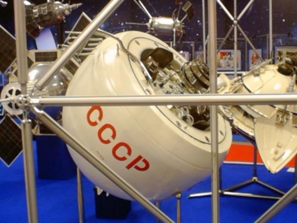 Венера-7, оснащенная первым спускаемым аппаратом