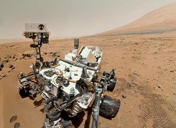 Марсоход Curiosity за работой
