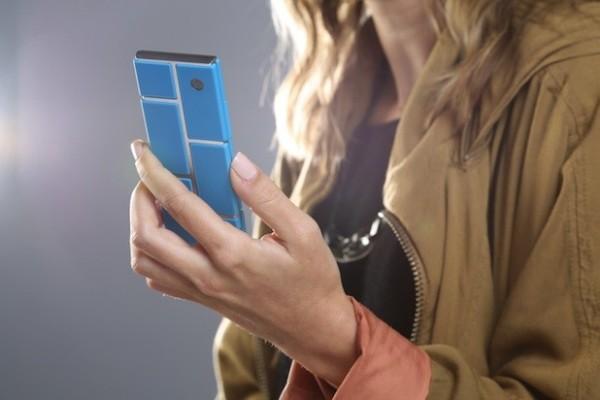 Концепт модульного смартфона Motorola Ara