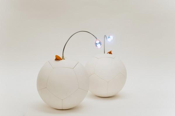 Футбольный мяч Soccket со встроенной лампой