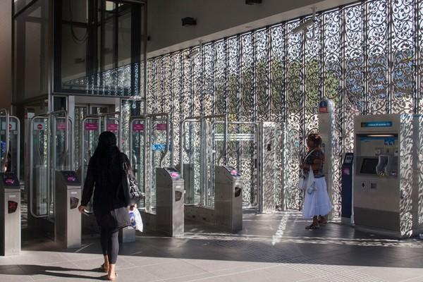 Филигранный павильон станции метро Karspeldreef в Амстердаме. Источник фото: Luuk Kramer