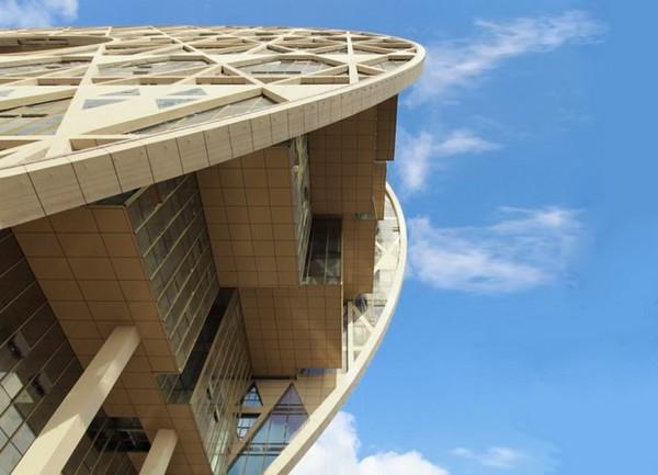 Золотой пончик – новый небоскреб в Китае