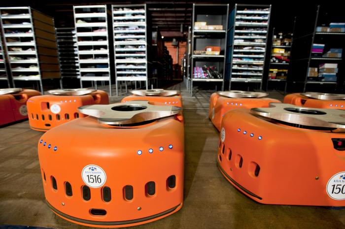 Kiva - автоматизированный робот на складе компании Amazon