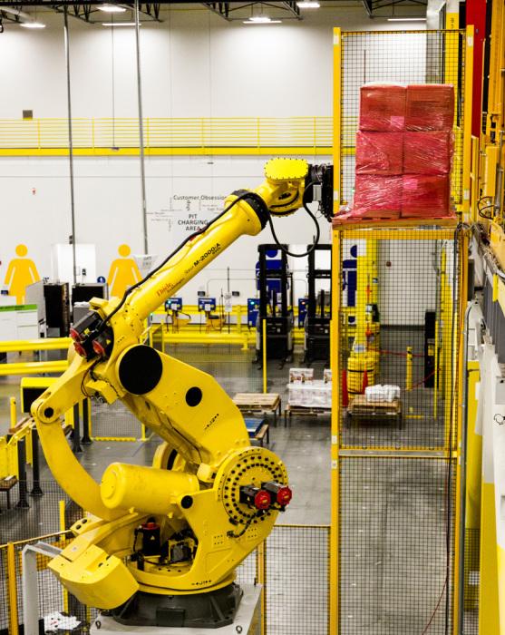 Robo–Stow - робот-погрузчик от компании Amazon