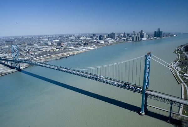 Мост Амбассадор, граница США и Канады