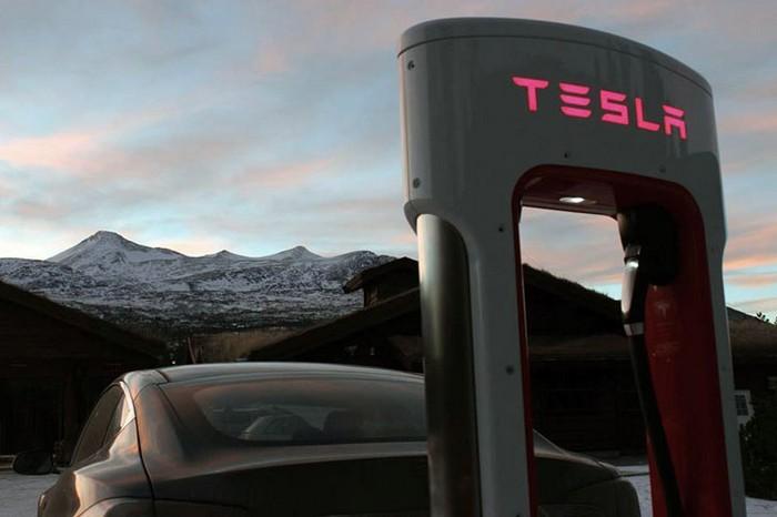 Станция замены аккумуляторов на электромобилях Tesla