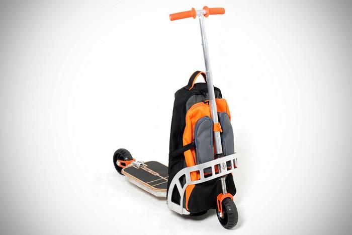 Gig Pack – рюкзак, который превращается в самокат