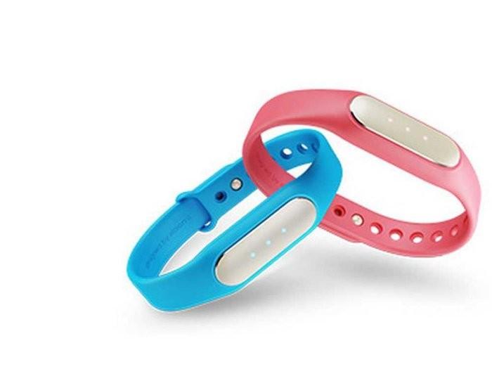 Дешевый китайский фитнес-браслет Xiaomi Mi Band