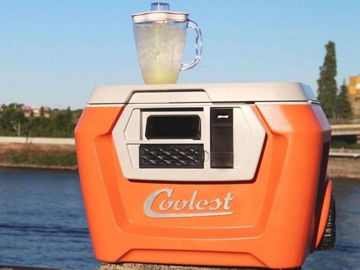 Coolest Cooler – походная сумка-холодильник для любителей коктейлей и шумных вечеринок