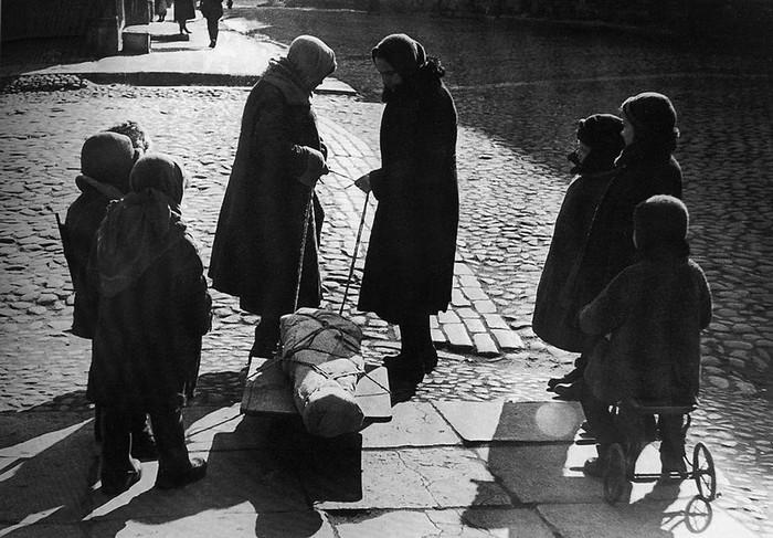 Смерть на улицах блокадного Ленинграда