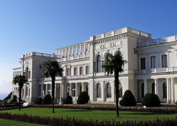 Ливадийский дворец. Источник фото: otduhay.rabotayvinter.net