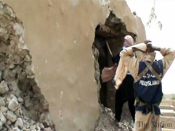 Уничтожение мавзолея в Тимбукту. Источник фото: unesco.org